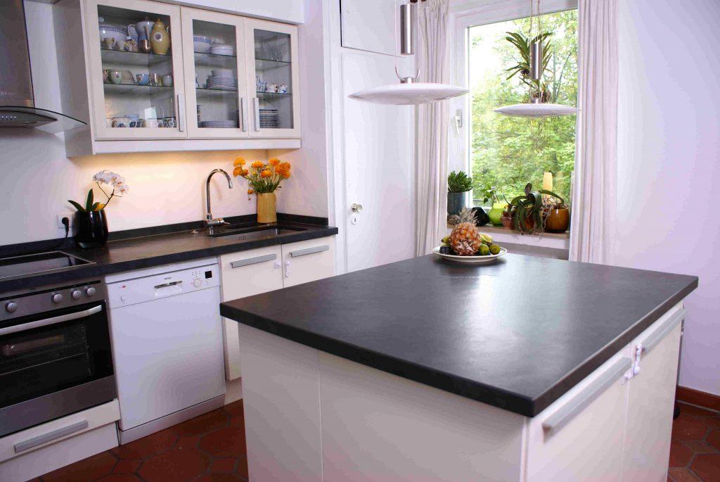 Wer fertigt die Granit Arbeitsplatten für Ikea? - Unser Natursteine-Blog